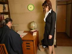 Office lady got pounded in a private home