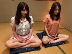 Anna Kirishima and Kana Suzuki pluged at yoga