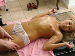 Airi Tachibana is screwed on the massage table