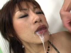Hot Asian babe double fellatio